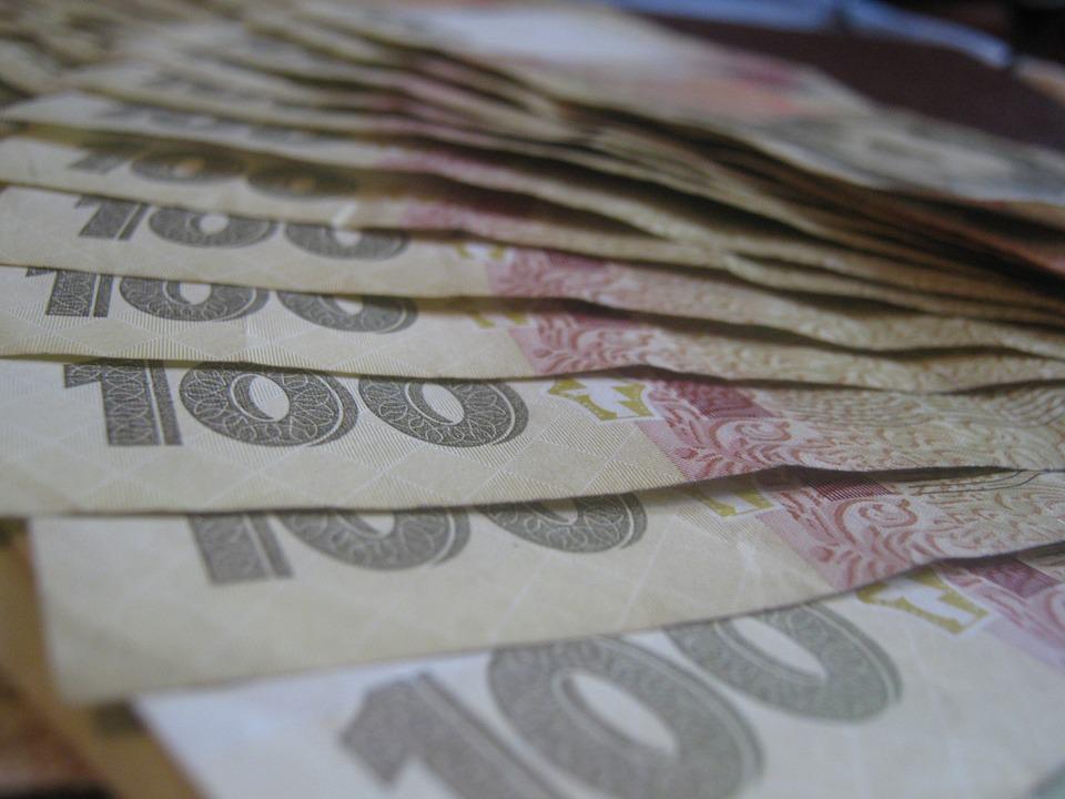 """Юридична сотня на """"прямому"""" про виплати ветеранам до 5 травня"""