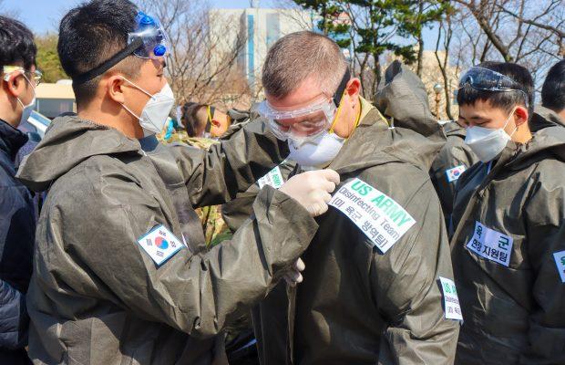Як армії світу протидіють коронавірусу
