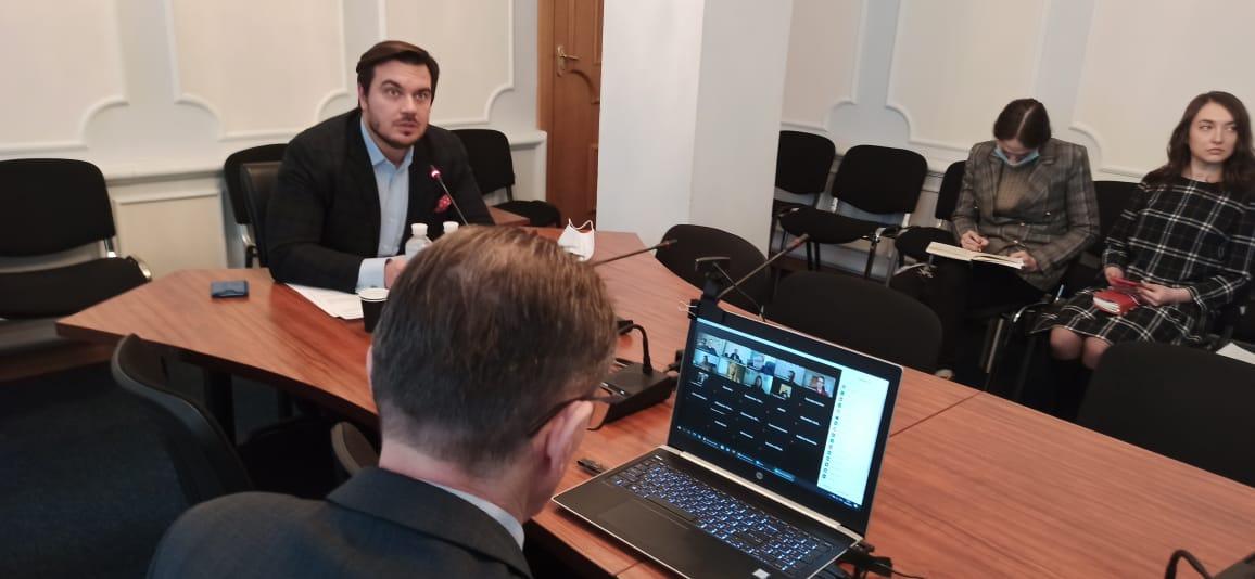 Відбулися комітетські слухання про боротьбу з COVID-19
